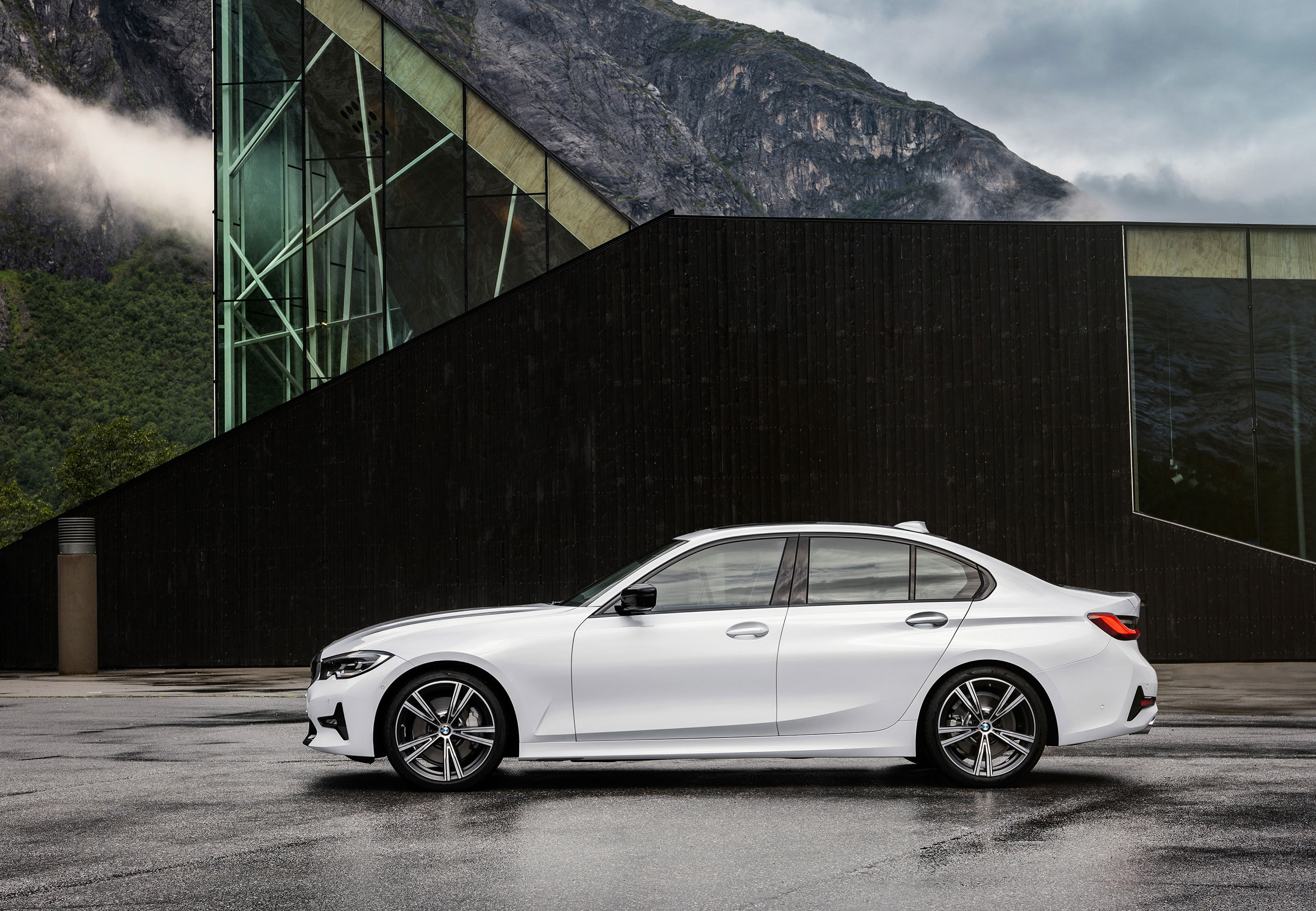 CARWIDE_BMW_Série 3 2019 - Lateral