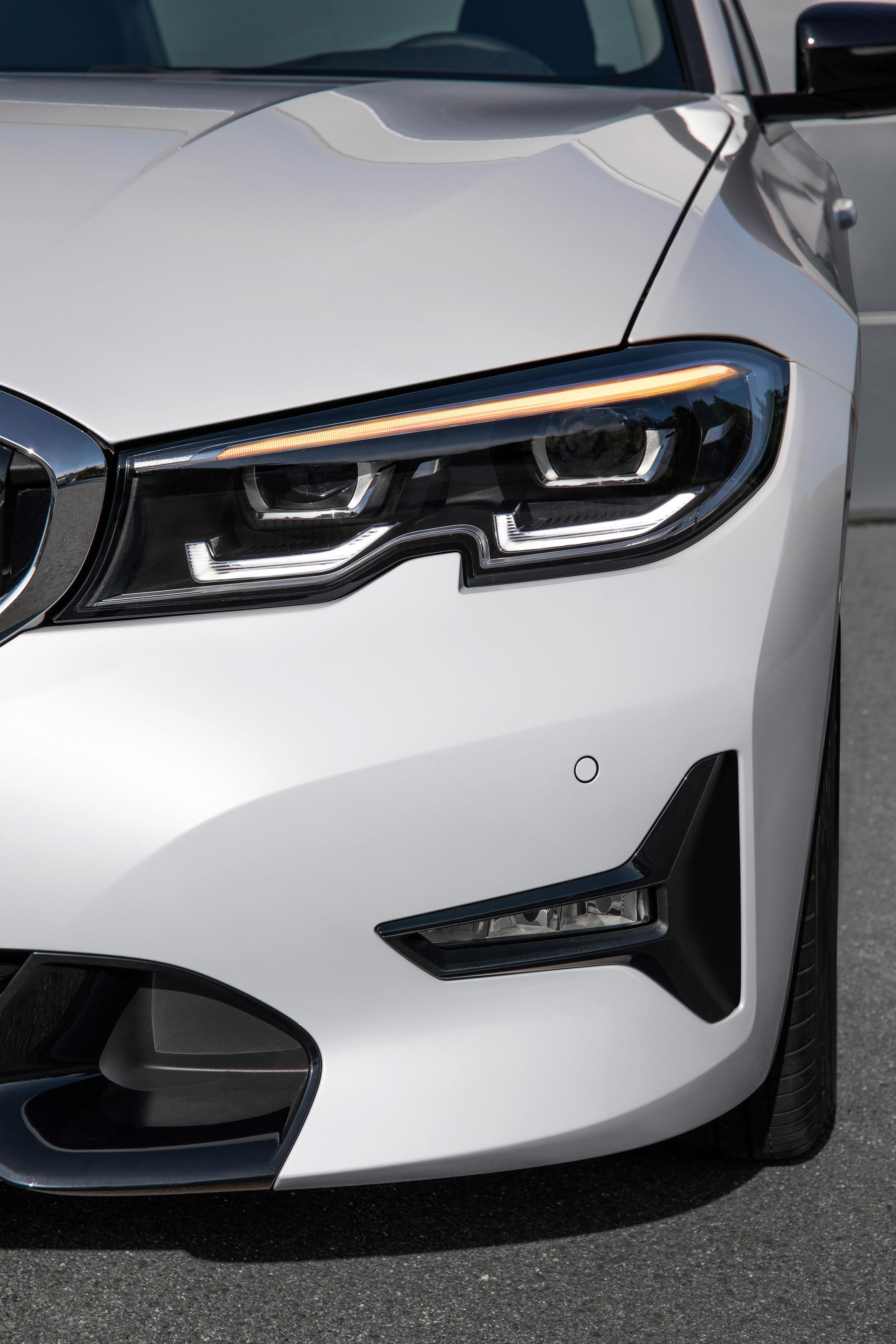 BMW Série 3 2019 - Farol 01