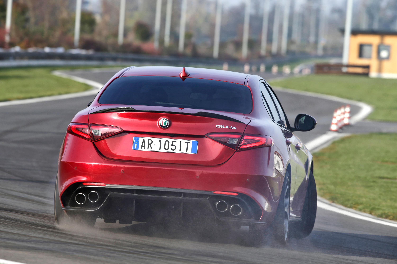 Alfa_Romeo_Giulia_03