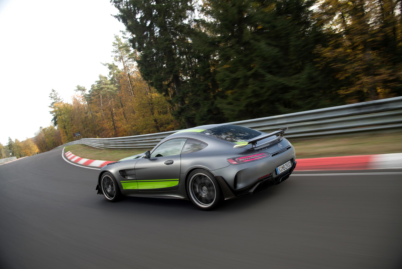 Mercedes-AMG_GT_R_PRO_06