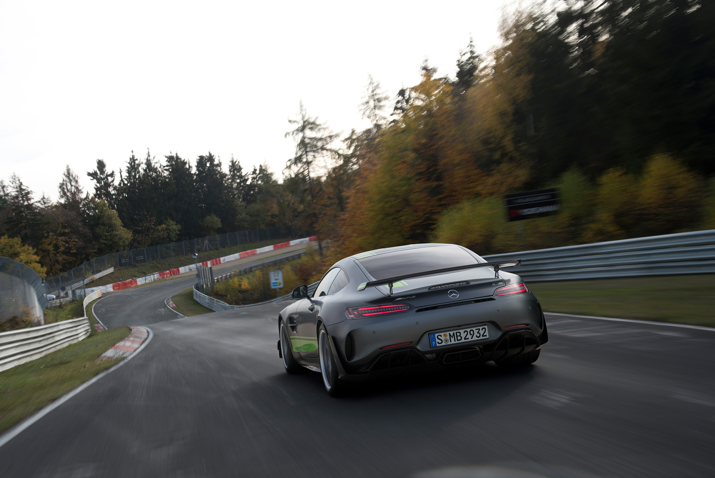 Mercedes-AMG_GT_R_PRO_05