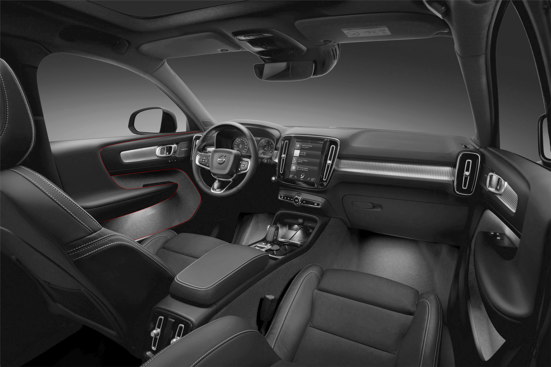 Volvo_XC40_Interior_01