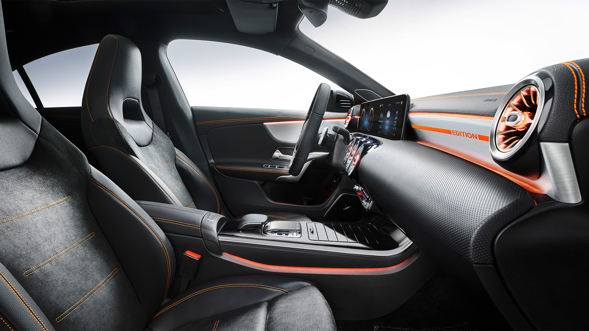 2020_mercedes_benz_cla_interior_10