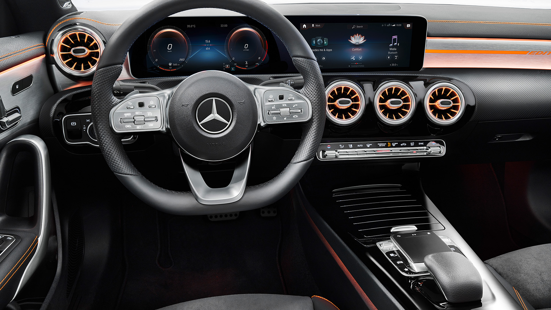 2020_mercedes_benz_cla_interior_8