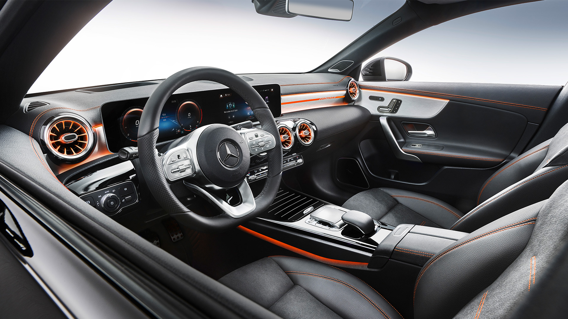 2020_mercedes_benz_cla_interior_9