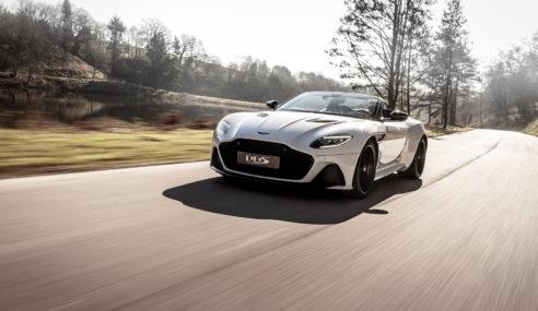 Aston Martin DBS Superleggera Volante, 340 km/h em um conversível.