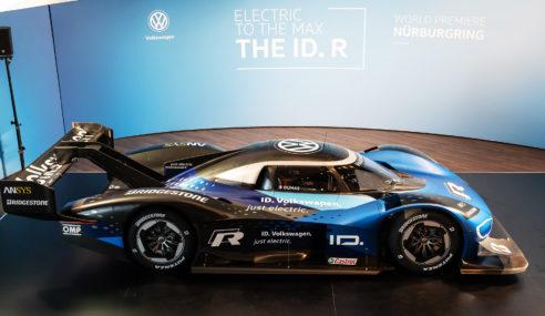 Volkswagen ID. R é renovado, e primeiro dia de teste foi realizado.