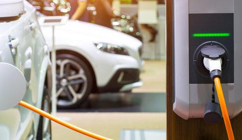 Se depender de Merkel, Alemanha terá 1 milhão de postos de recarga de elétricos até 2030